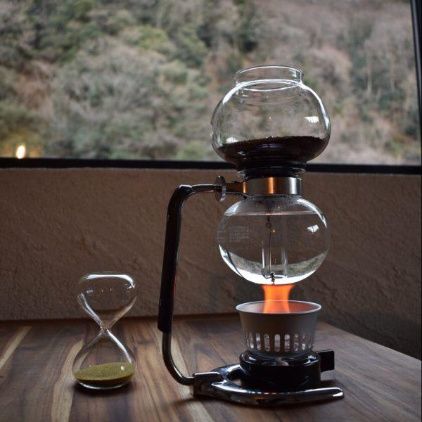 川面を眺めながらのサイフォンコーヒー